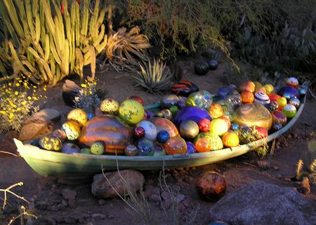DBG-chihuly-boat-with-float