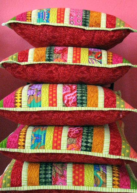 Quilted-pillows-cmas-stack-