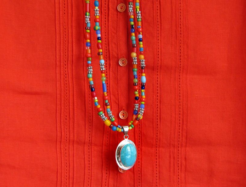 5-18 necklace beads turq 2
