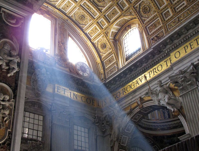 Vatican-8-St-Peters-light