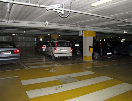 7-2-assisi-parking-garage