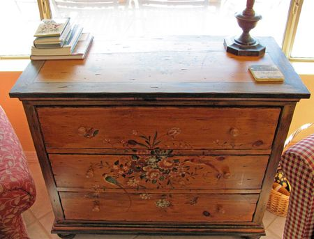 Makeover-painted-chest-3