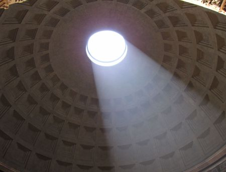 Rome-Sunday-Pantheon-light